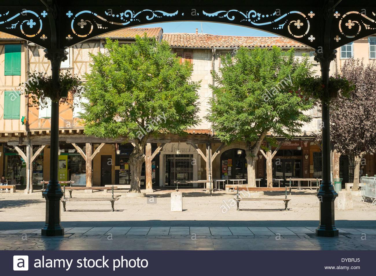 Markthalle am Place de Couverts im Bastide Stadt Mirepoix, Ariège, Midi-Pyrénées, Frankreich Stockbild