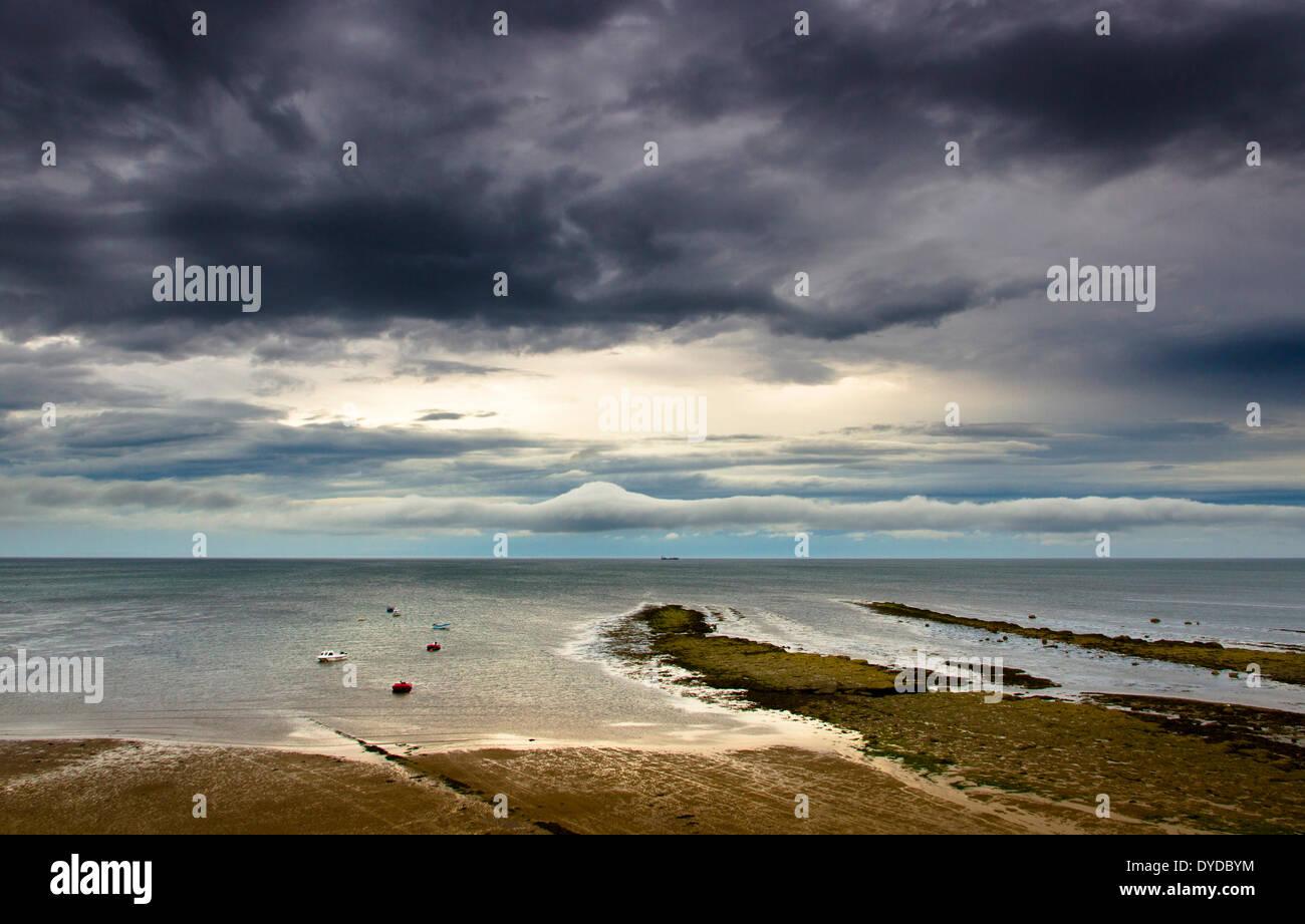 Blick auf Robin Hoods Bay. Stockbild