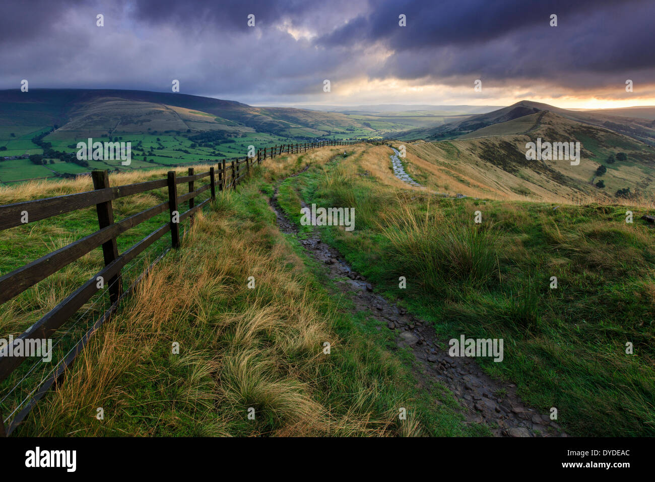 Sonnenaufgang am Mam Tor im Peak District. Stockbild