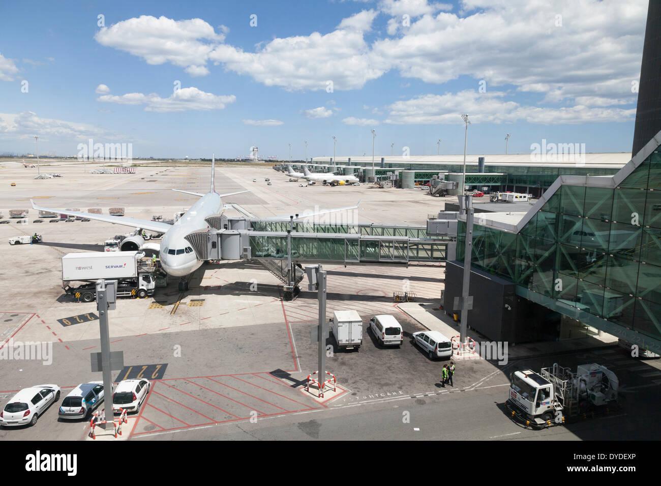 barcelona airport stockfotos barcelona airport bilder. Black Bedroom Furniture Sets. Home Design Ideas