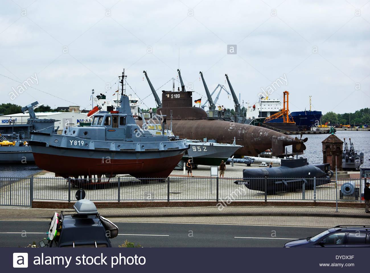 Deutschen Marinemuseum in Wilhelmshaven zeigt u-Boote, Kreuzer und anderen historischen Marineschiffe. Stockbild