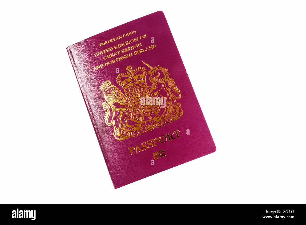 Britischer Pass, neue, vordere Abdeckung ausgeschnitten auf weißem Hintergrund, UK Stockbild