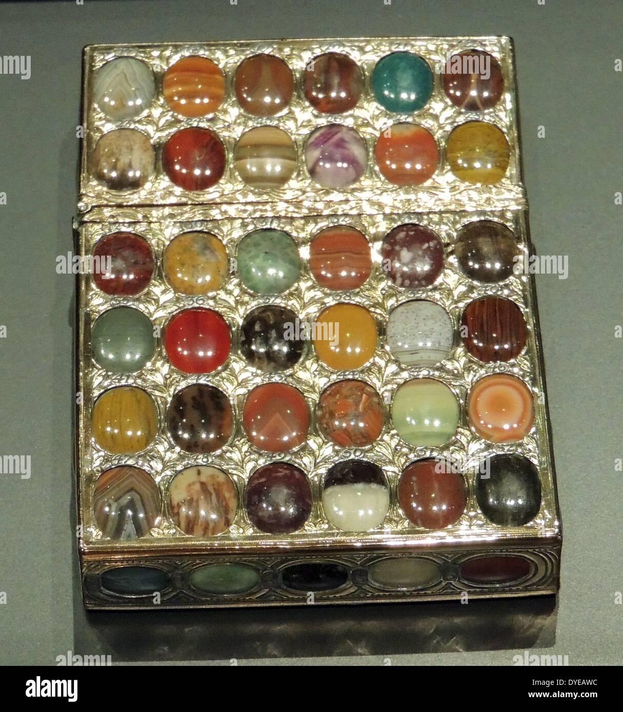 Historical Snuff Box Stockfotos & Historical Snuff Box Bilder - Alamy
