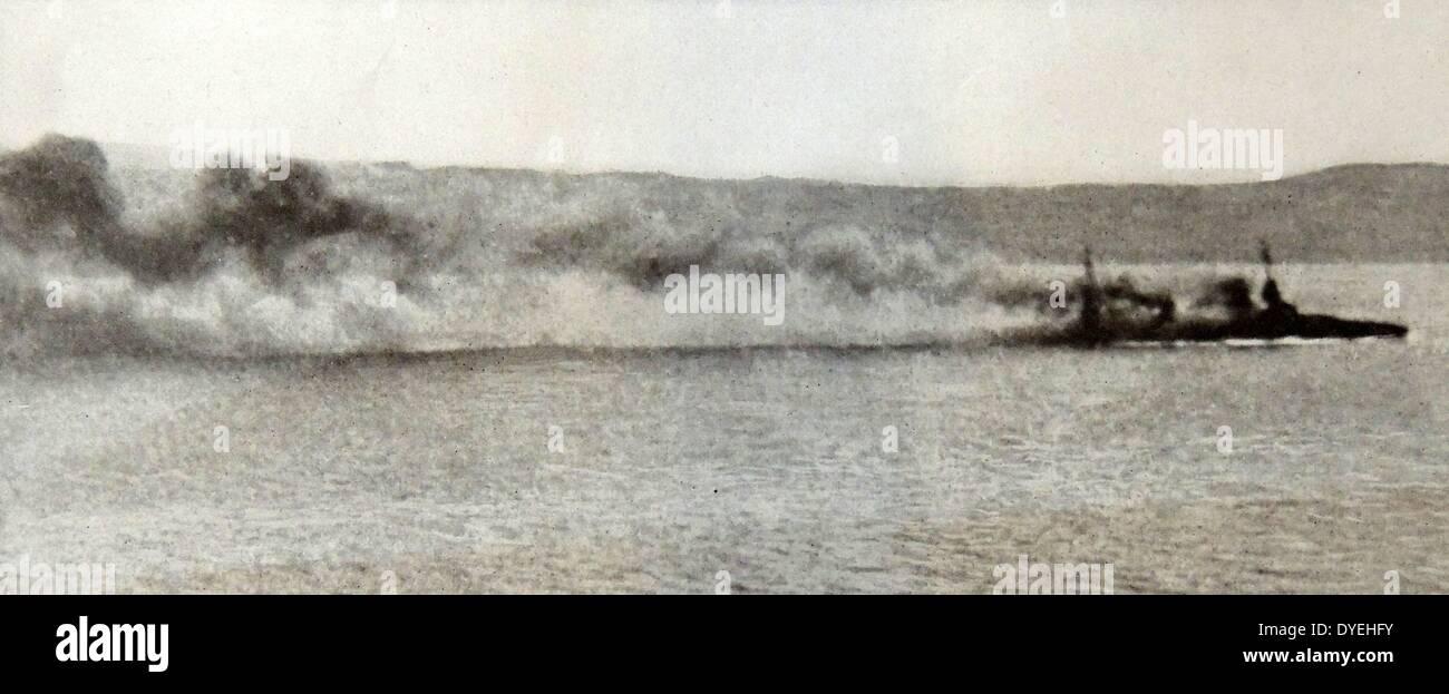 """Überlebenden Offiziere und die Besatzung des französischen Schlachtschiffs """"Bouvet"""" Untergang in der Nähe von gallipoli Stockbild"""