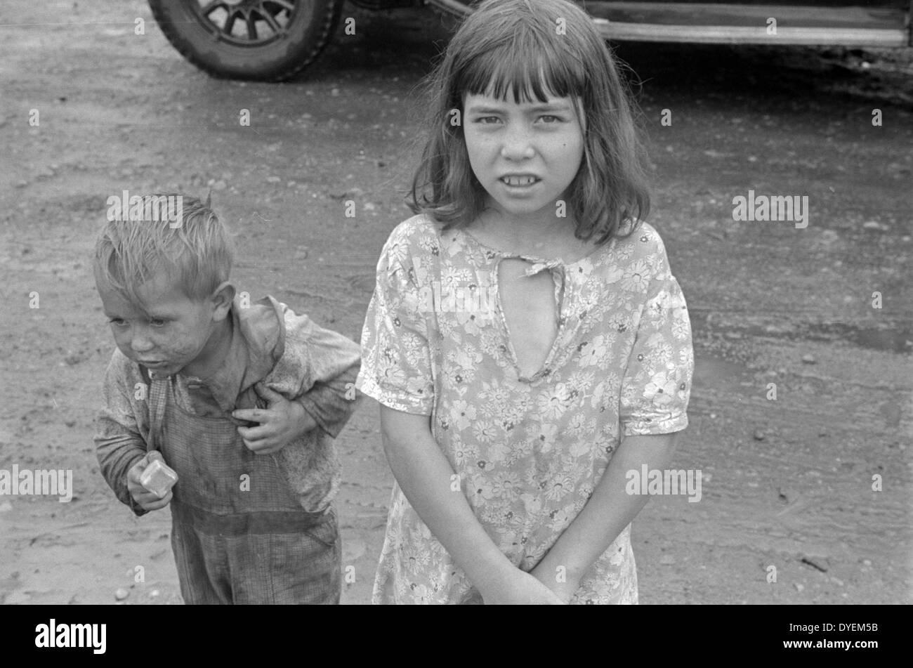 Kind-Bewohner in Circleville Hooverville, Zentrum von Ohio. 1938 Stockbild