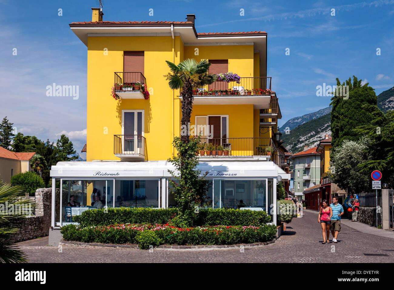 Caffe Italiano Stockfotos & Caffe Italiano Bilder - Alamy