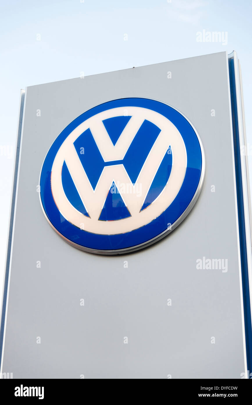 Garage stockfotos garage bilder alamy for Garage volkswagen lyon 7