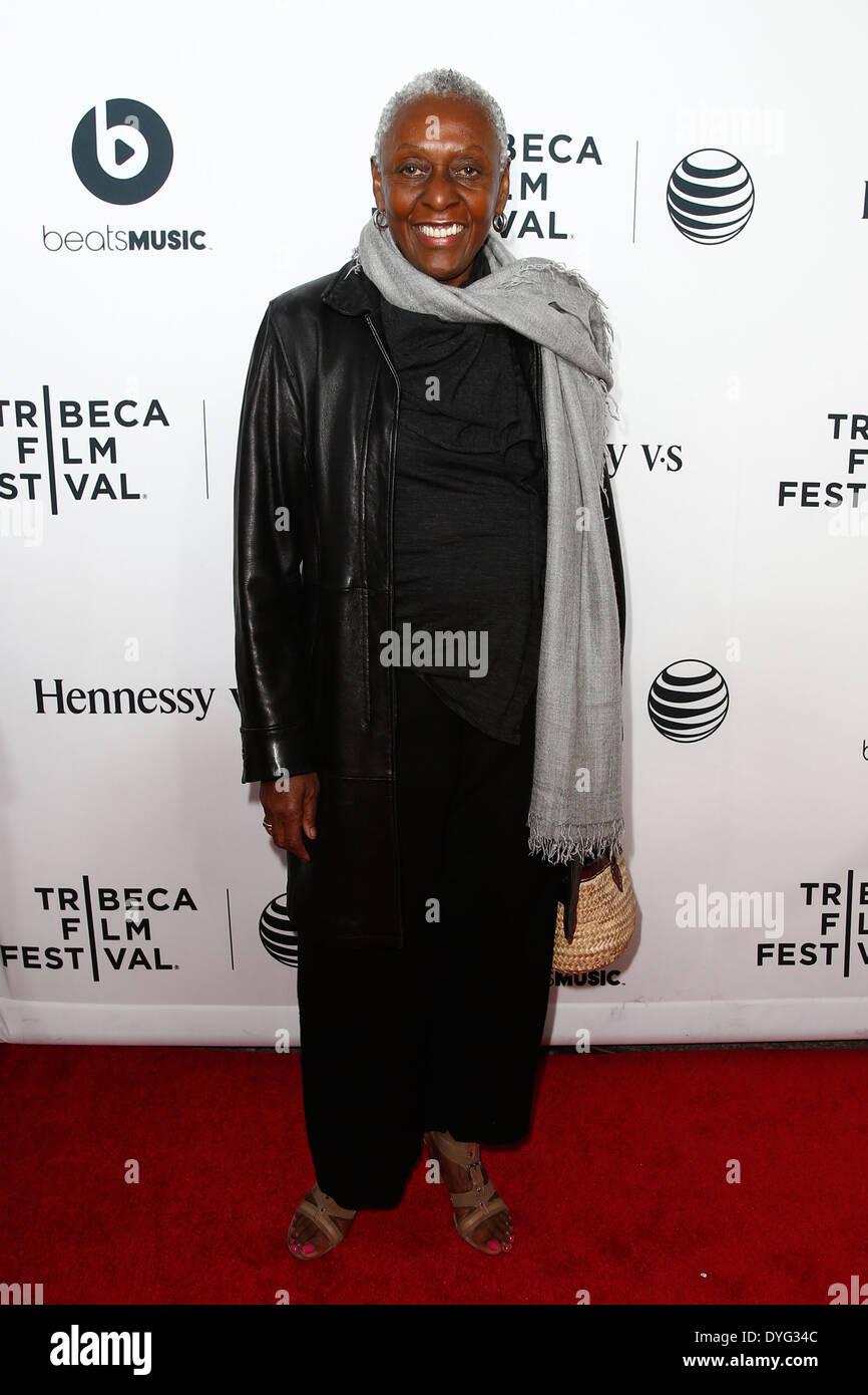 """Bethann Hardison besucht die Weltpremiere von """"Zeit ist Illmatic"""" die 2014 TriBeCa Film Festival Opening Night. Stockbild"""