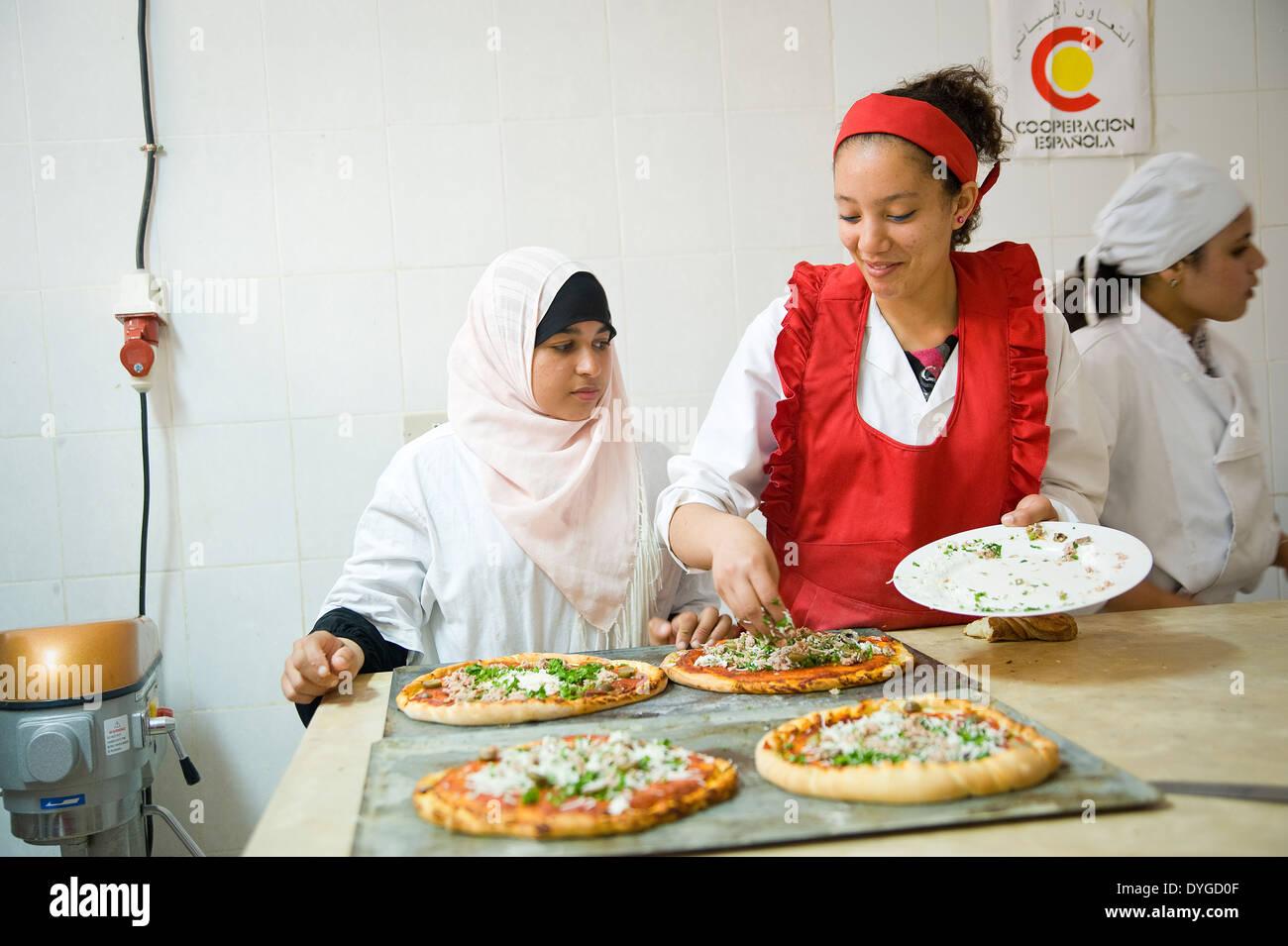 Tunesien Tunis Frauen Erhalten Eine 8 Monate Ausbildung In Kochen