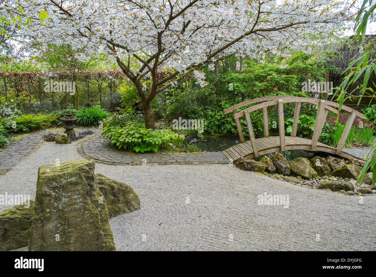 Kleiner Japanischer Garten Stockfotos & Kleiner Japanischer Garten ...