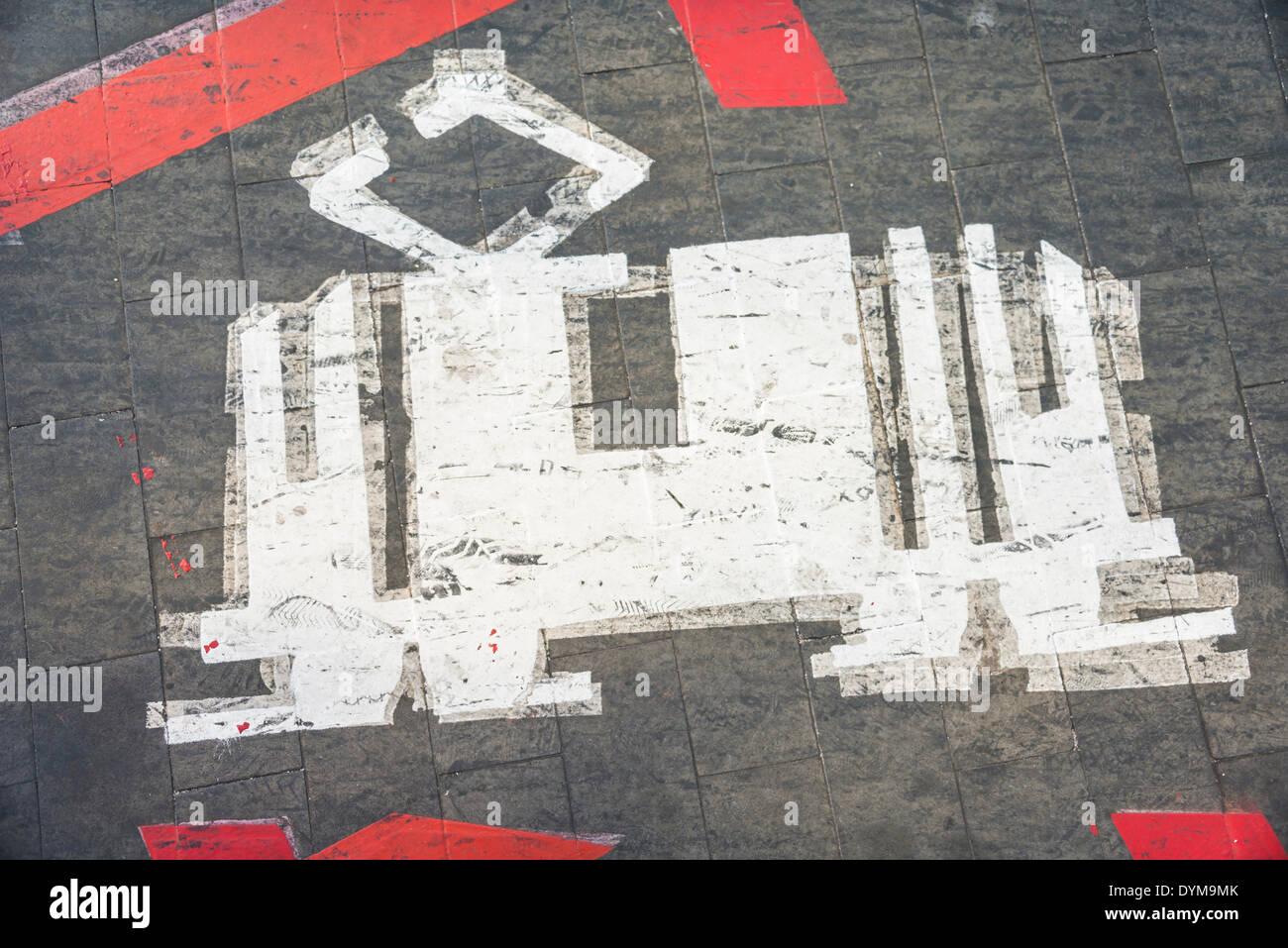 Straßenbahn, Piktogramm auf dem Boden, Santa Cruz, Teneriffa, Kanarische Inseln, Spanien Stockbild
