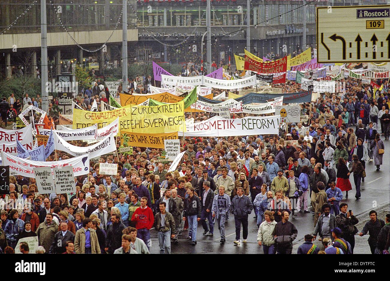 1989 Berlin Demonstration Stockfotos & 1989 Berlin Demonstration ...