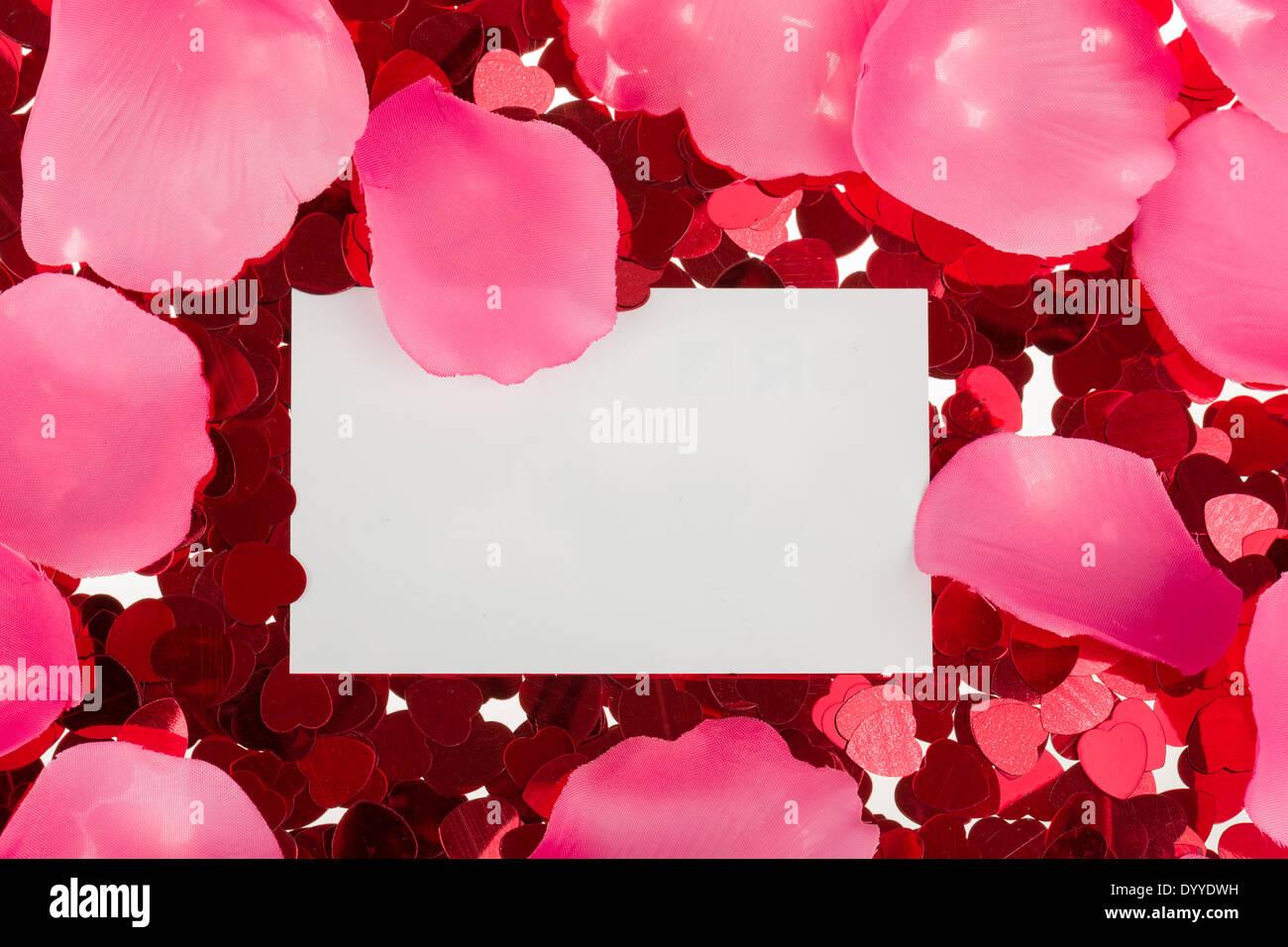 Stockfoto   Kleine Rote Konfetti Und Emty Karte Zum Valentinstag Liebe  Nachricht
