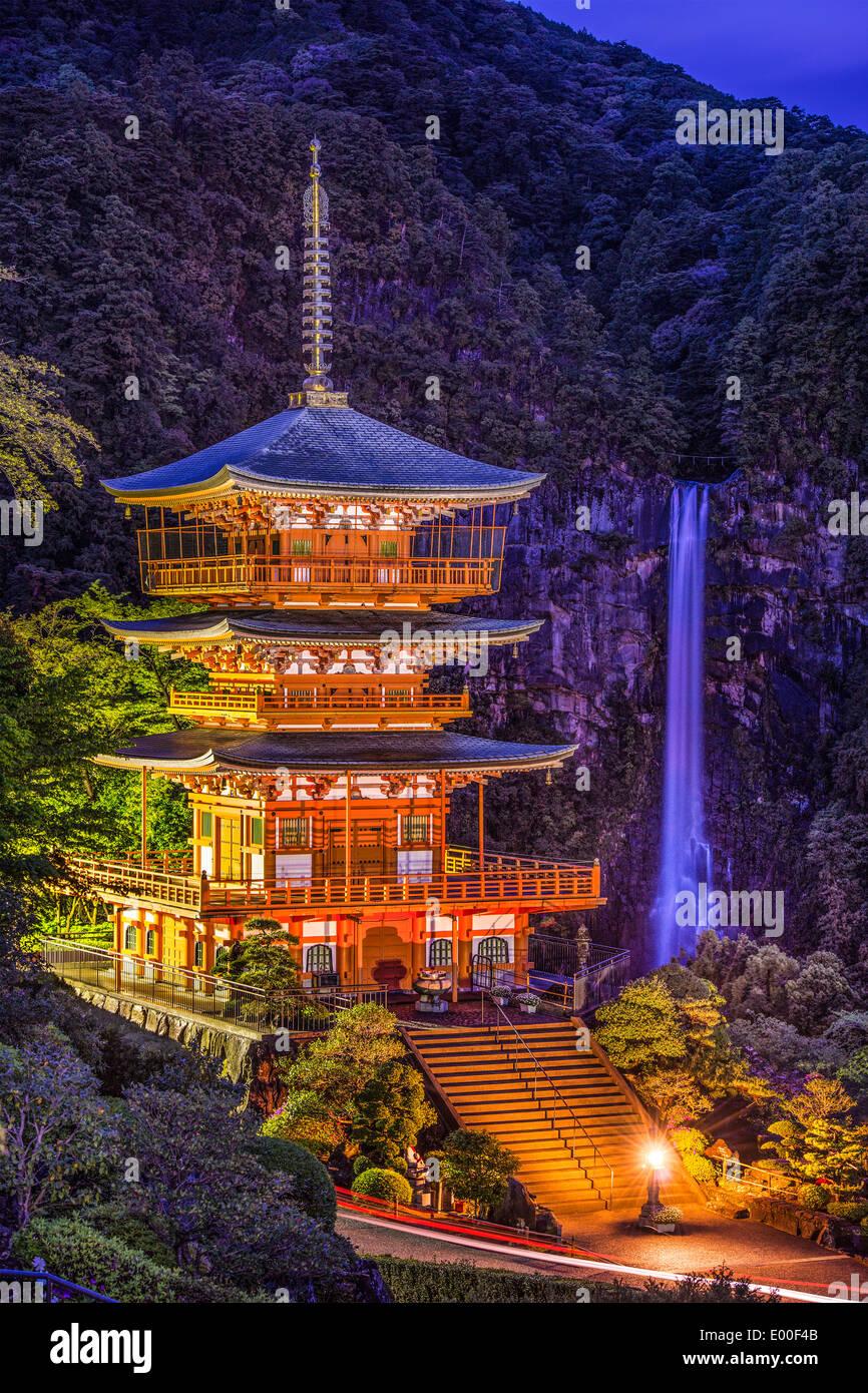 Nachi, Japan Nachi-Taisha-Schrein-Pagode und Wasserfall. Stockbild