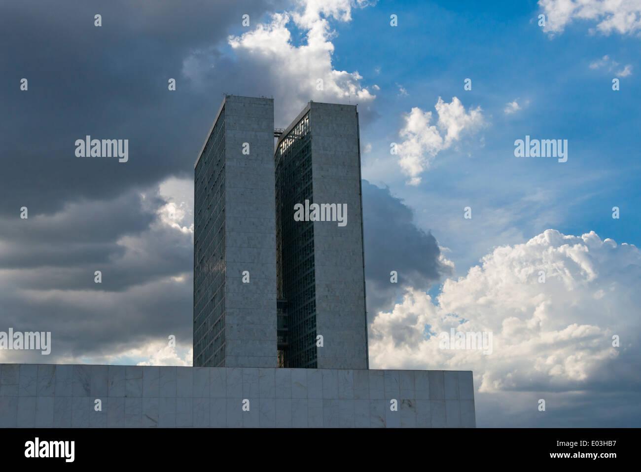 Parlament Büroturm in nationalen Kongress komplexe entworfen von dem Architekten Oscar Niemeyer, Brasilia, Distrito Federal, Brasilien Stockbild