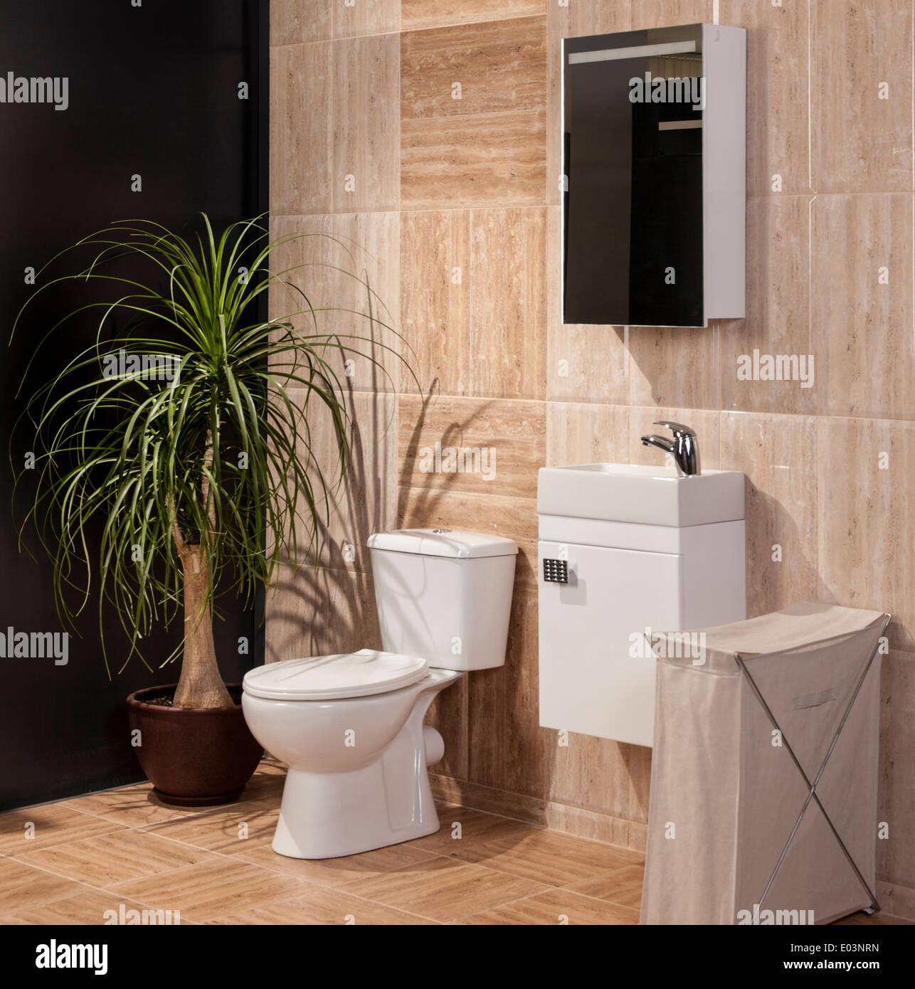 Detail der ein luxuriöses Badezimmer mit modernen Fliesen ...