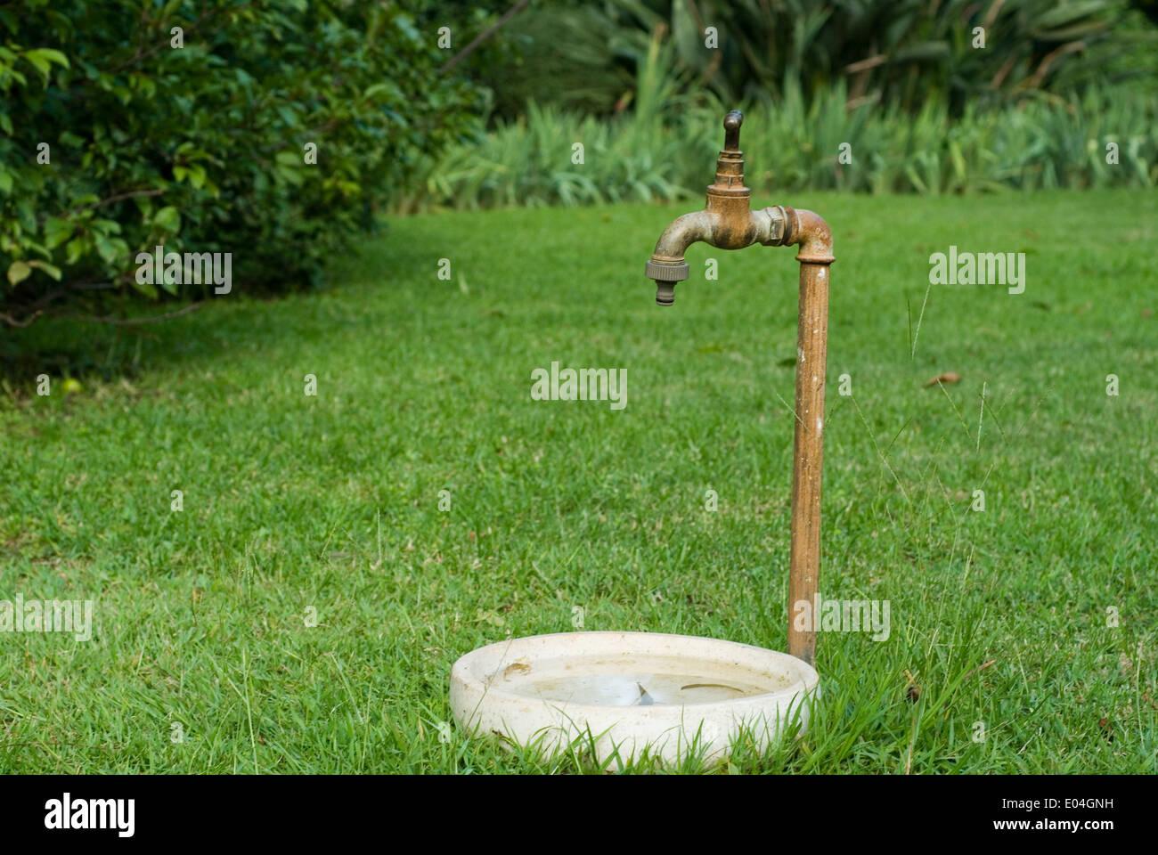 Im Freien Privaten Garten Wasserhahn Mit With Garten Wasserhahn