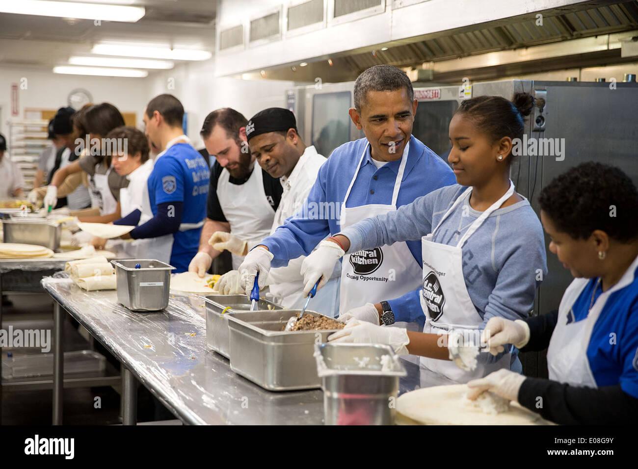 President Obama Daughter United Service Stockfotos & President Obama ...