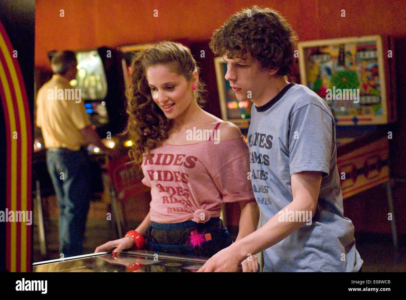 Adventureland 2009 Margarita Levieva Jesse Eisenberg Greg Mottola Dir Moviestore Sammlung Ltd Stockfotografie Alamy
