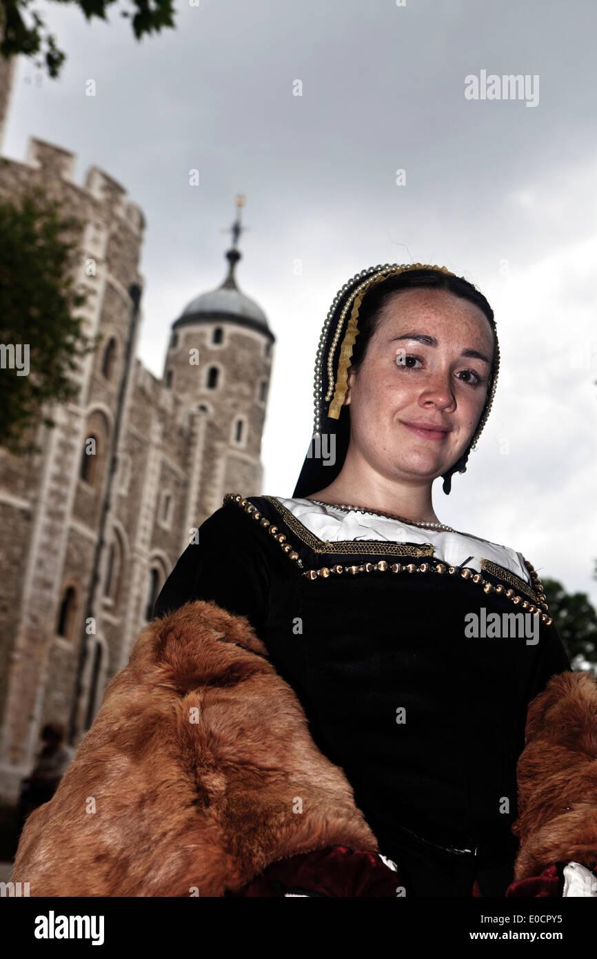 Schauspielerin, die Darstellung von Anne Boleyn, zweite Frau von Henry VIII, der Tower of London, London, England, Großbritannien Stockbild