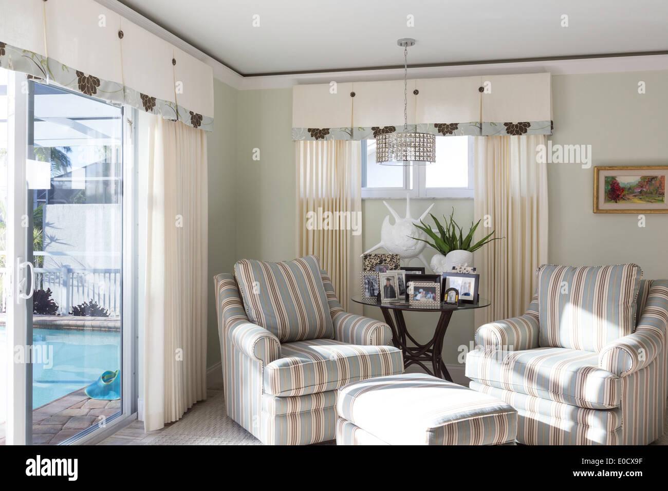 Sitzecke im Schlafzimmersuite, Schaufenster Schlafzimmer im Luxus ...