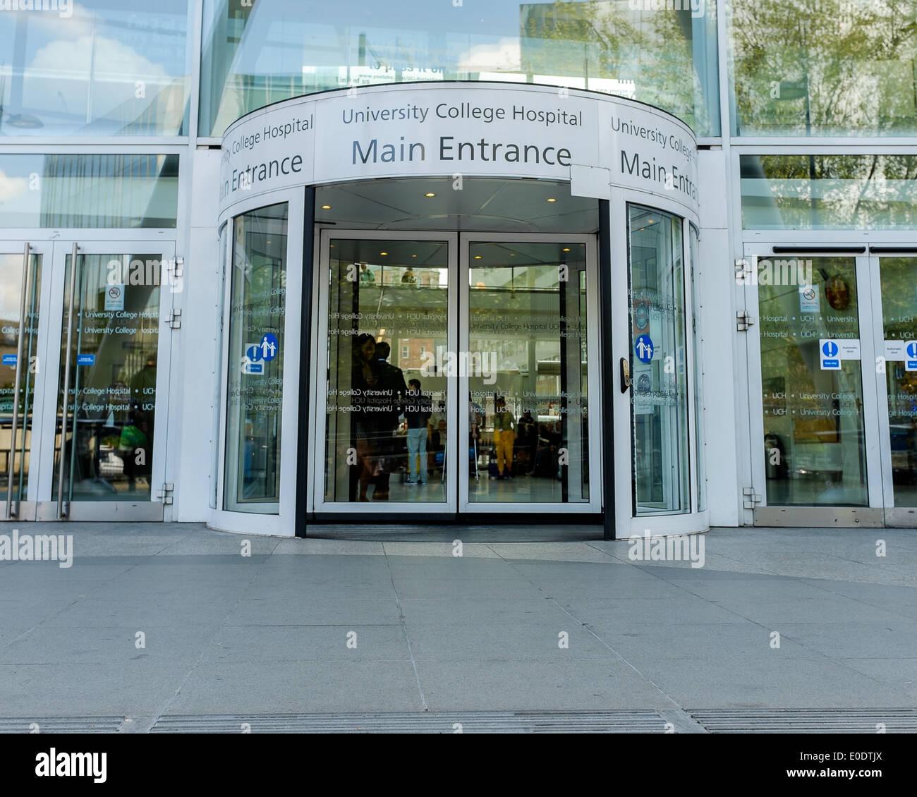 Der Haupteingang zum University College Hospital auf Euston Road, öffnen Schiebetüren. London, England. Stockbild
