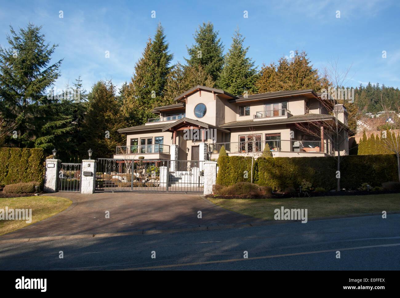 Große gated Hause in britischen Eigenschaften, West Vancouver, Britisch-Kolumbien, Kanada Stockbild
