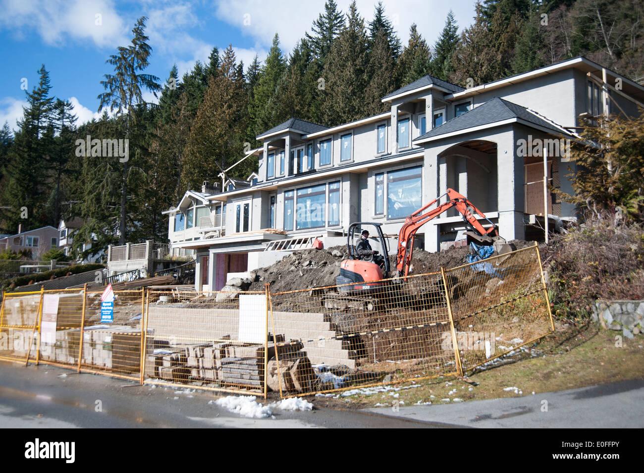 Bau eines großen Hauses in der britischen Eigenschaften von West Vancouver, British Columbia, Kanada Stockbild