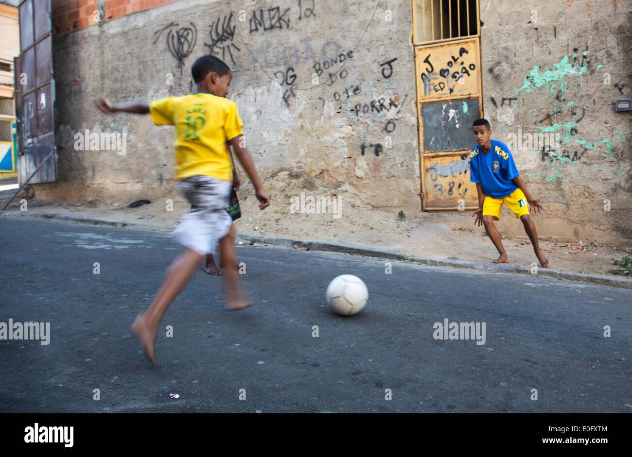 Zwei Brasilianische Huren Spielen