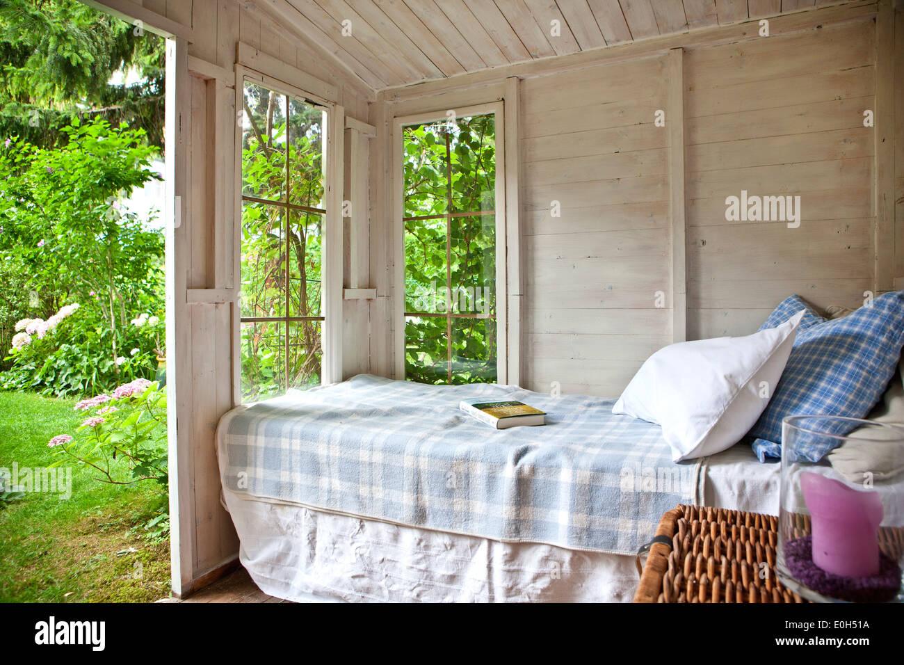Schlafzimmer in den Garten, Gartenhaus mit Blick auf trendig, Wien ...