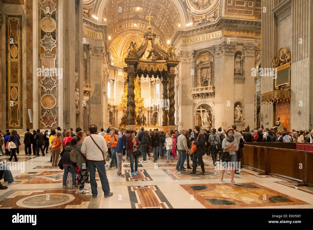 https://c8.alamy.com/compde/e0h58y/interieur-str-peters-basilica-kirche-vatikan-rom-italien-europa-e0h58y.jpg