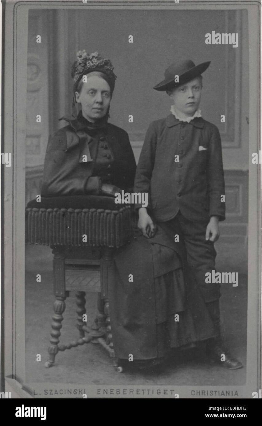 Fredrikke Marie Qvam Og Sønnen David Andreas Qvam Stockfoto Bild