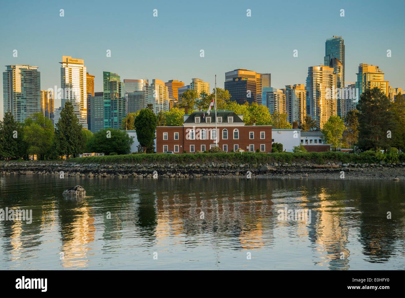 HMCS Discovery, Royal Canadian Navy Reserve Facility, Deadmans Insel, Stanley Park, Vancouver, Britisch-Kolumbien, Stockbild
