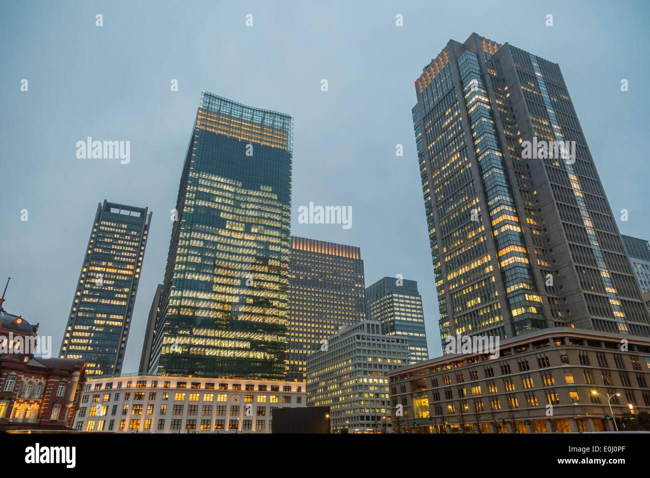 Hochhäuser in Marunouchi in Tokio Stockbild