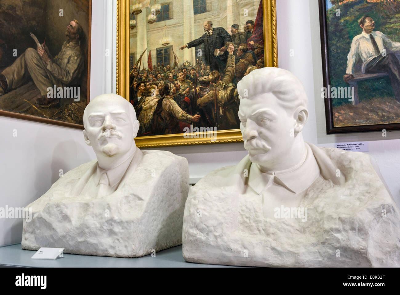 Büsten von Lenin und Stalin, sozialistischen Realismus Kunstgalerie, Zamoyski Palast in Kozlowka in der Nähe von Lublin, Kleinpolen, Polen Stockbild