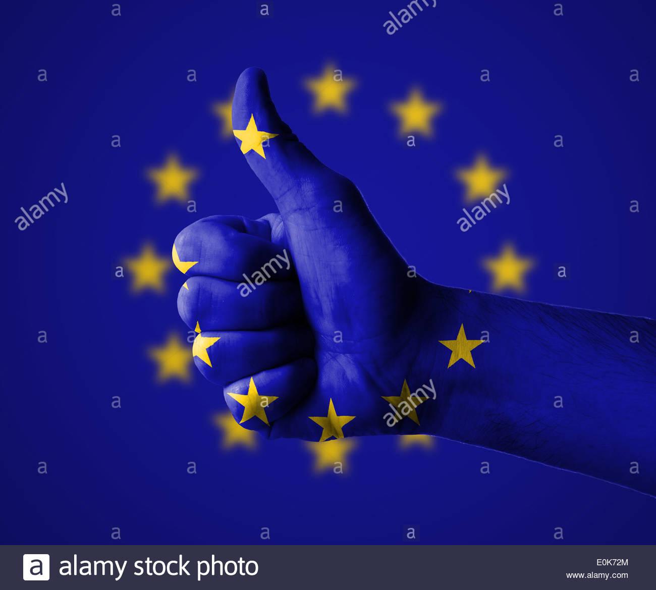 Hand mit Daumen nach oben für die Europäische Union Stockbild
