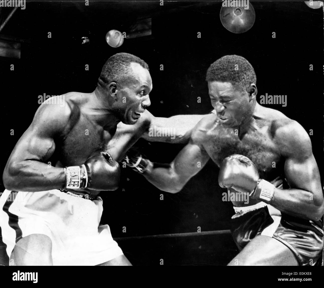 Boxer Ezzard Charles verliert gegen Jersey Joe Walcott Stockfoto