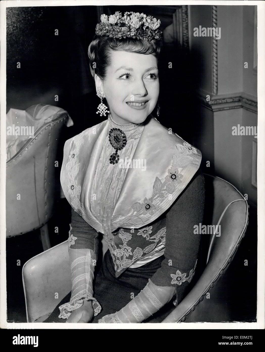 14 Mai 1953 The Hon Mrs Gerald Legge Hat Eine Spezielle Frisur 19