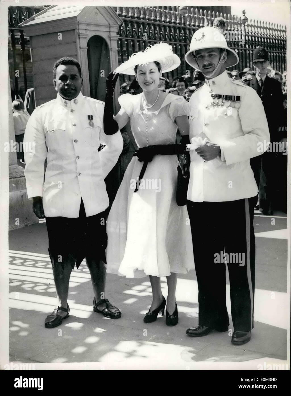 5. Mai 1953 - ROYAL GARDEN PARTY im BUCKINGHAM PALACE - Foto zeigt ...