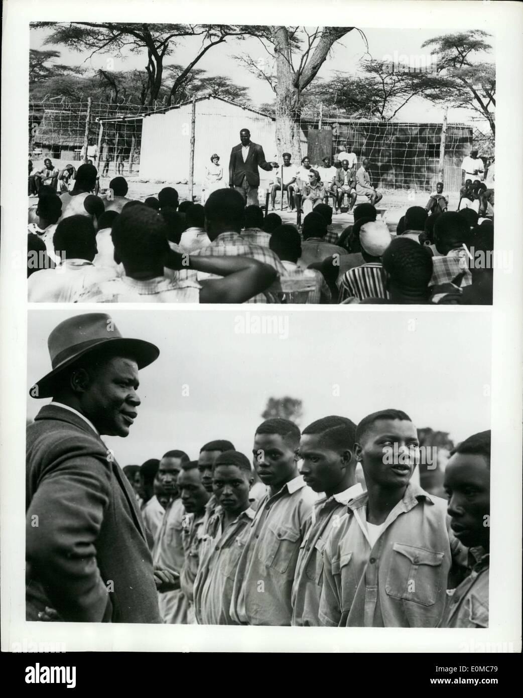 8. August 1954 - Rehabilitation ist Waffe gegen Mau Mau: eine starke Waffe ist Kenias Kampf gegen den Terrorismus ist das Reha-Programm, unter denen einige 35.000 Mau Mau Sympathisanten in Internierungslager gesendet wurden. Hier, aus der Gefahrenzone lernen sie nützliche Bürger wieder statt der Blut-verrückten Terroristen sein, die viele von ihnen in der Gefahr waren des Werdens Trhough den Einfluss von Mau Mau. Foto zeigt oben: Herr Stockbild