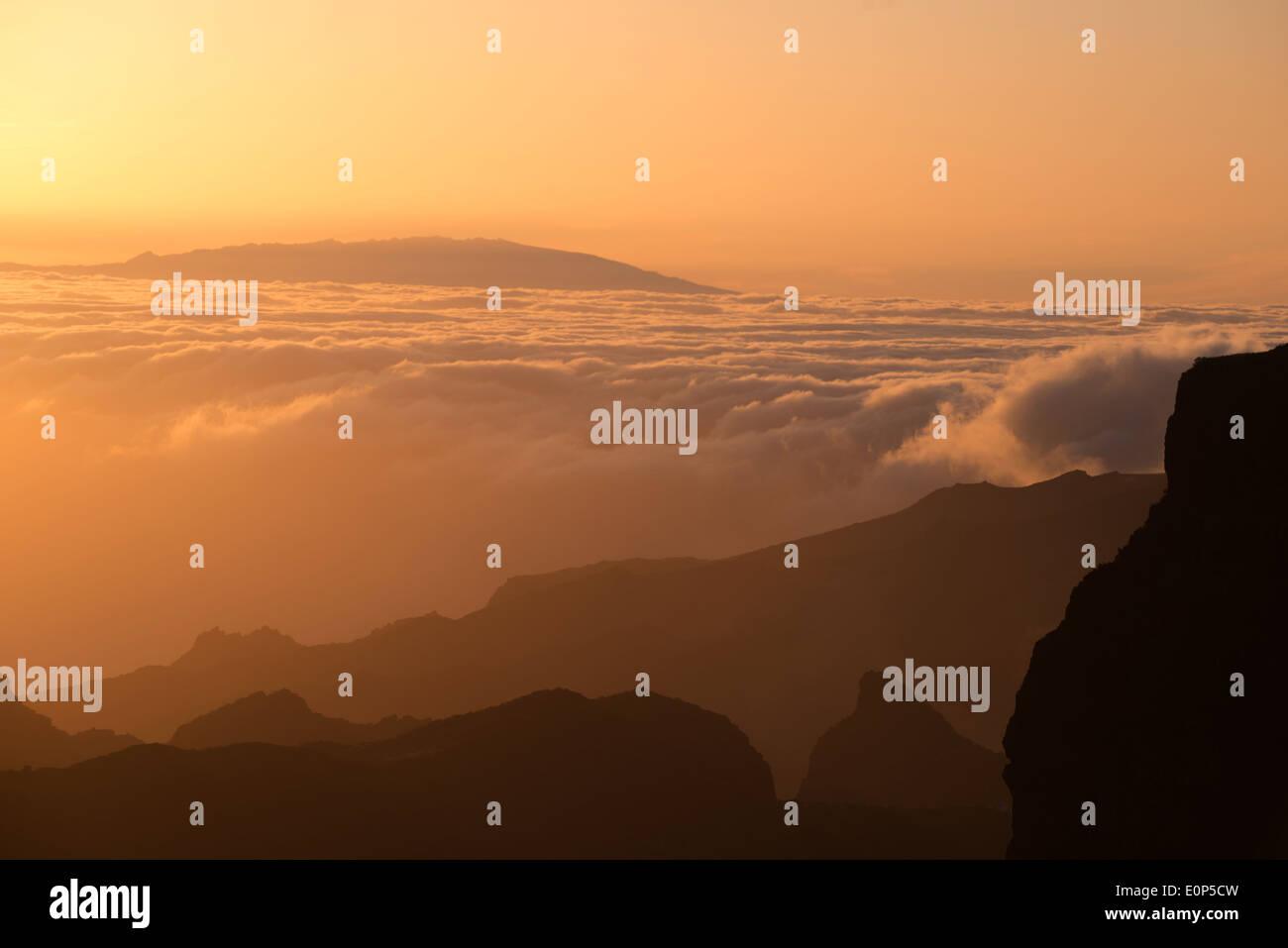 Mirador Degollada de Cherfe Blick über Teno-Gebirge mit Insel La Palma während Sonnenuntergang Teneriffa Kanaren Stockbild