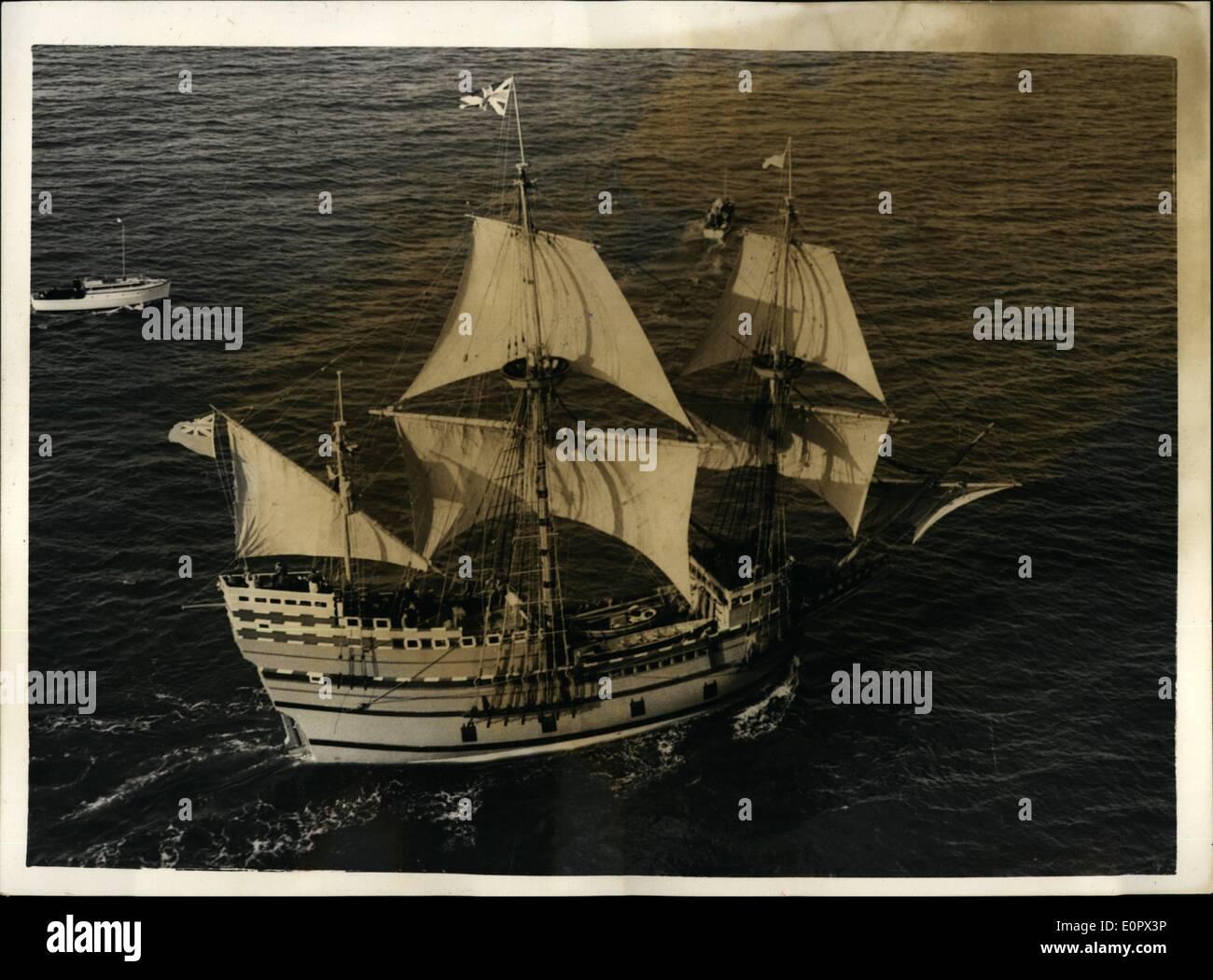 4. April 1957 - der '' Mayflower II'' unter Segel - am letzten.: '' Mayflower II'' reiste unter Segel zum ersten Stockfoto