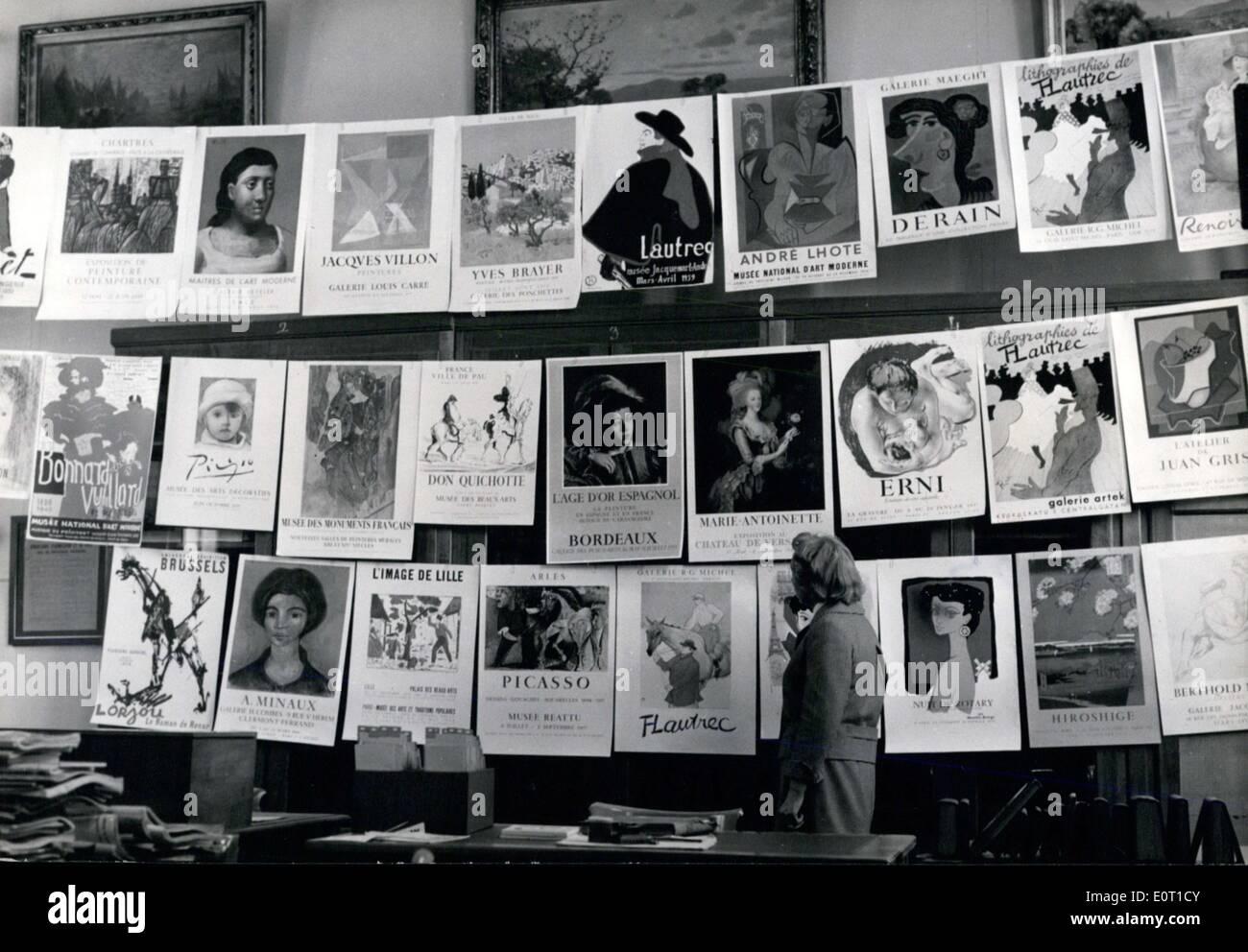 15. Juni 1960 - Plakaten aus den letzten 300 Jahren am Grafik-Bibliothek APRESS.c angezeigt Stockbild
