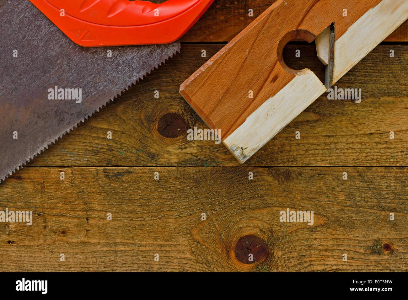 DIY-Tools auf rustikalen Tisch gelegt Stockfoto, Bild: 69372853 - Alamy