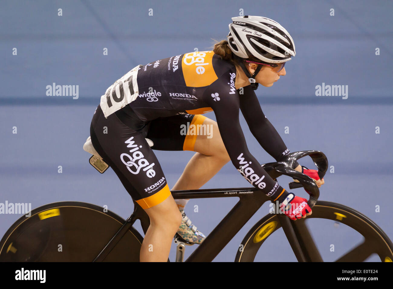 Laura Kenny (Laura Trott) konkurriert in der Frauen Omnium in Revolution 5 2014, Lee Valley Velopark, Stratford Stockbild