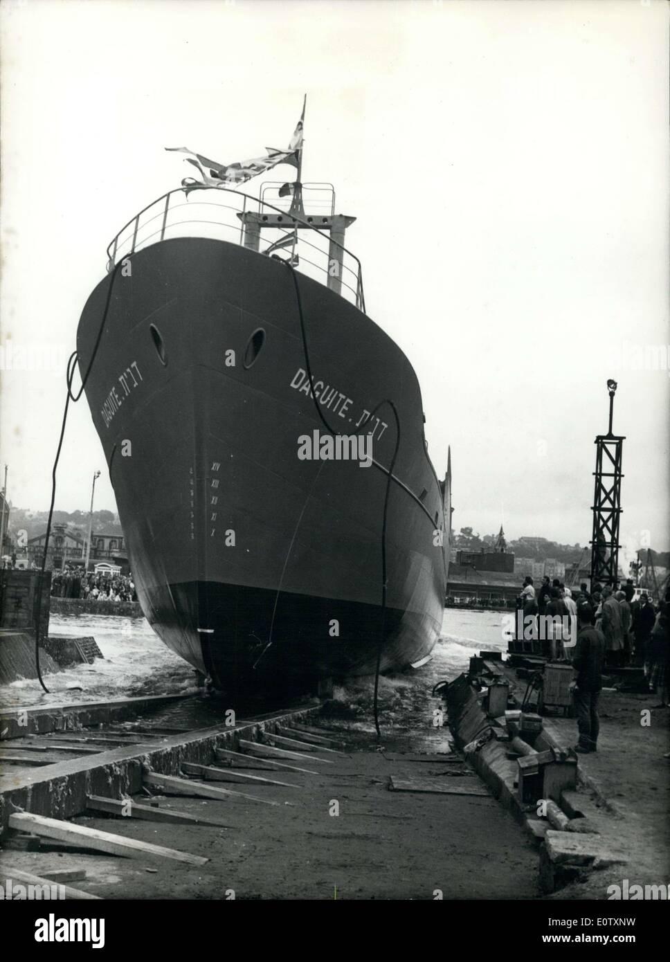 Sept. 09, 1960 - Sponsor des Bootes ist Ruth Dayan. Es ist das erste Fischerboot im Namen Frankreichs in Frankreich Stockbild