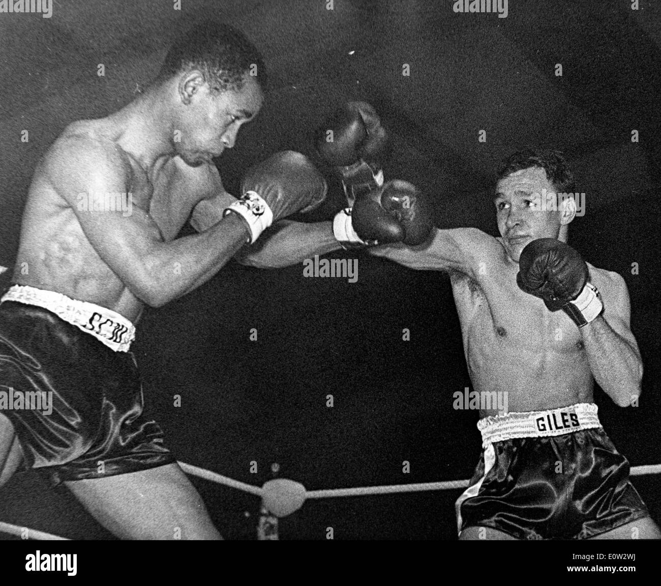 Boxer Dave Charnley gegen Fernand Nollet Stockfoto
