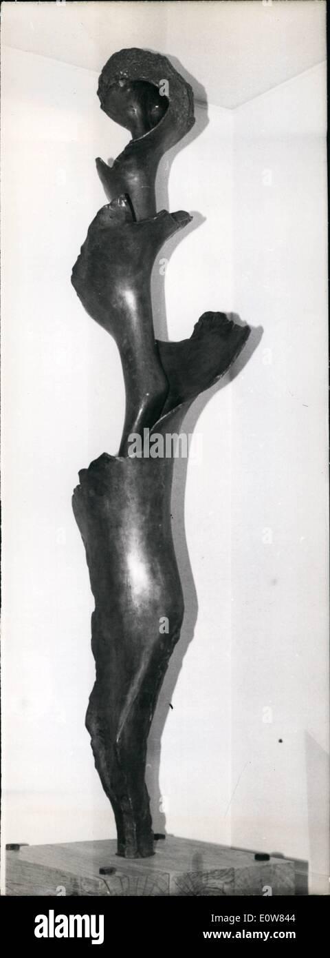 11. November 1961 - die große Spirale: Diese Skulptur mit dem Titel '' der große Spirale '' richtet sich an die hohen technischen Schule Cachan. Stockbild