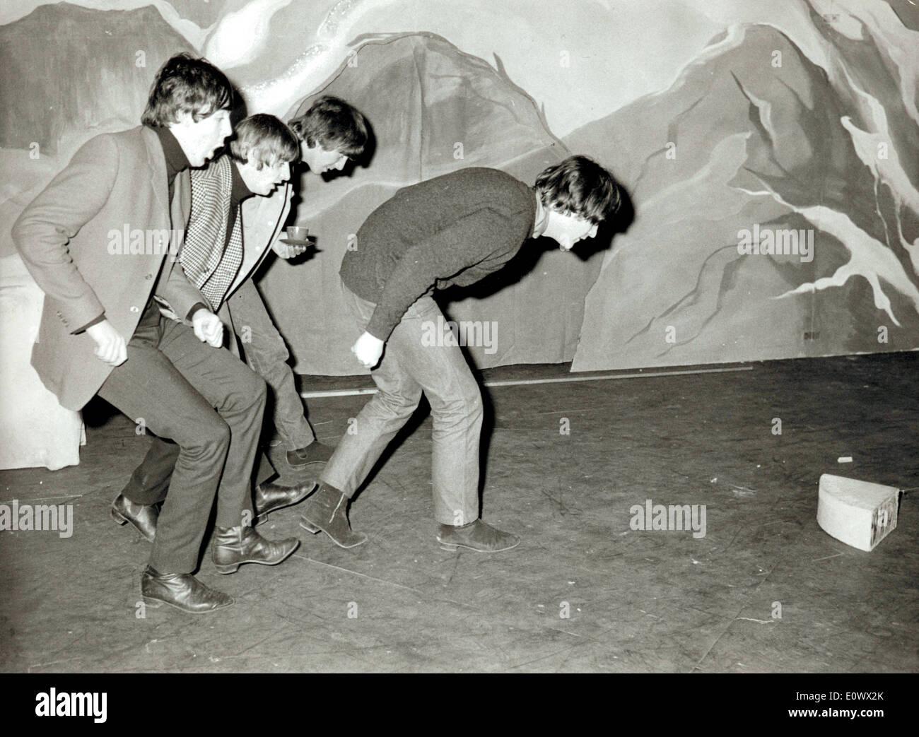 Die Beatles-Praxis für ihre Weihnachts show im Hammerstein Odeon Stockbild