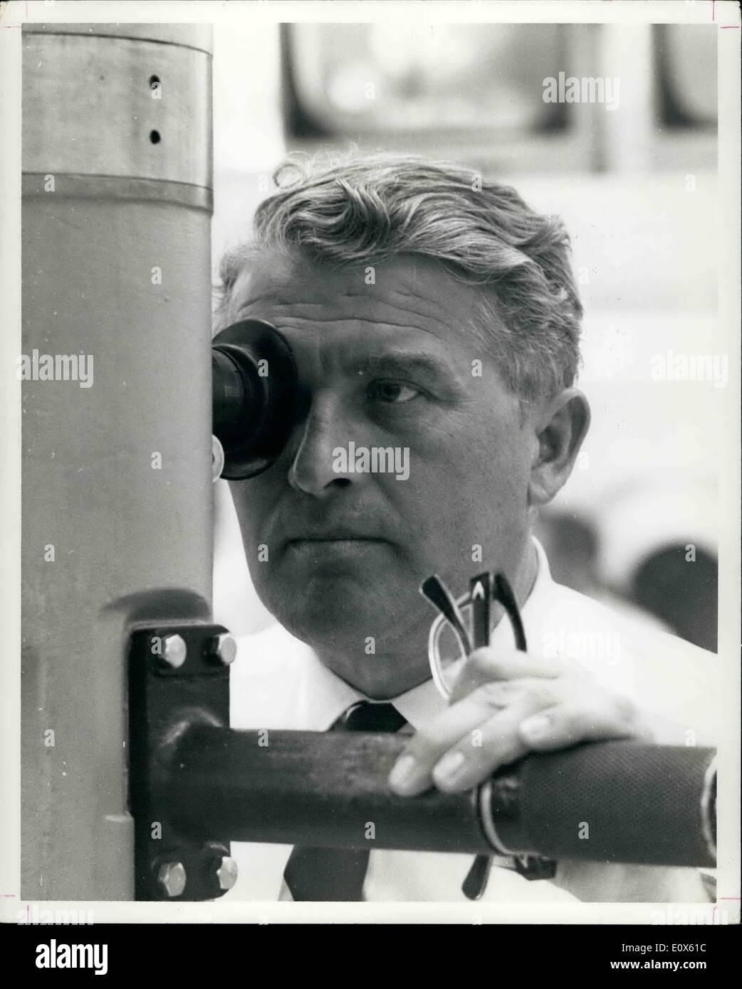 5. Mai 1965 - Cape Kennedy - Dr. Wernher Von Braun, Direktor des NASA Marshall Space Center in Huntsville, Alabama, Stockfoto
